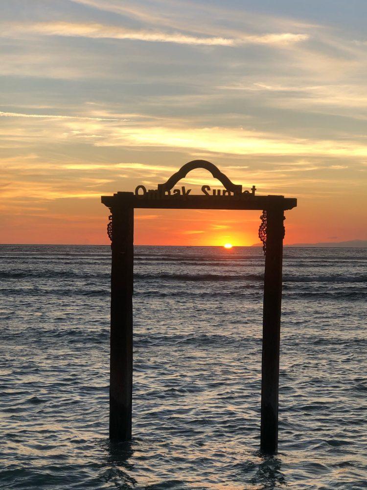 Ombok Sunset hotel with a lovely Gili Islands Sunset